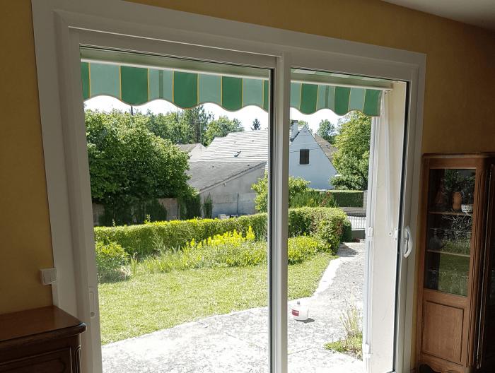 Pose d'une baie vitrée coulissante en PVC