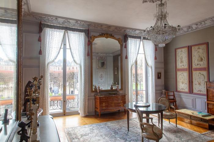 Une nouvelle pose de fenêtre en bois à Paris (75)