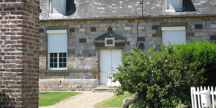 fenetre maison en pierre