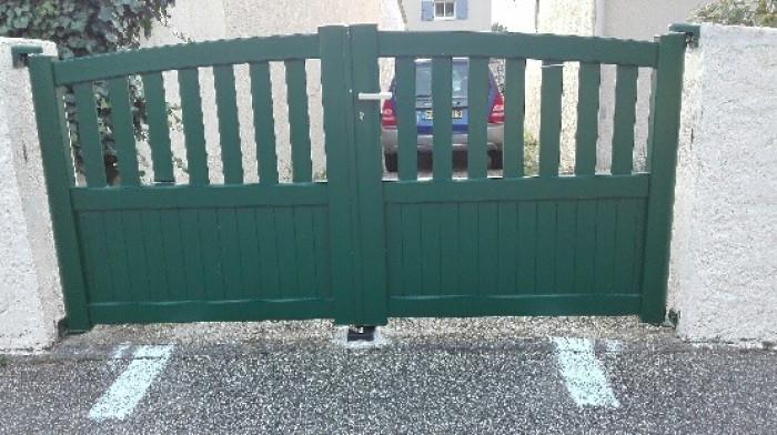 Pose de portail battant à Martigues (13)