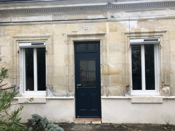 Pose d'une porte d'entrée en aluminium - Le Bouscat (33)