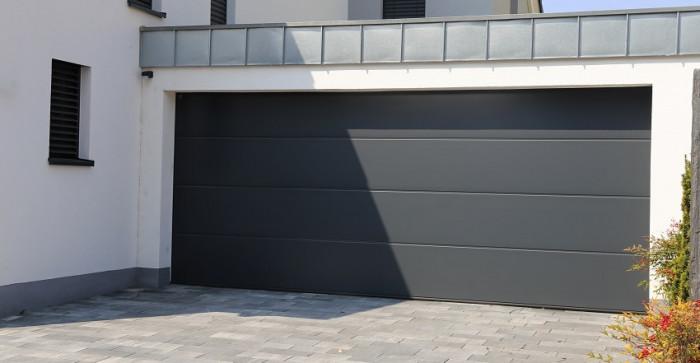 Une porte de garage neuve avec Lorenove Dreux
