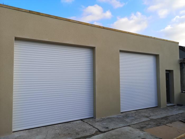 Pose de portes de garage enroulables à Caen (14)