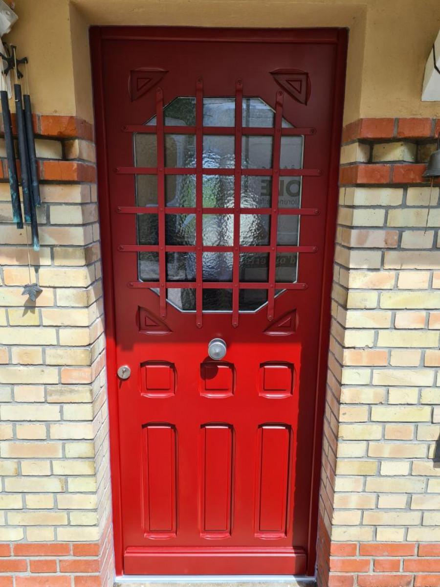 restauration et pose de porte d'entrée à Orgeval 78