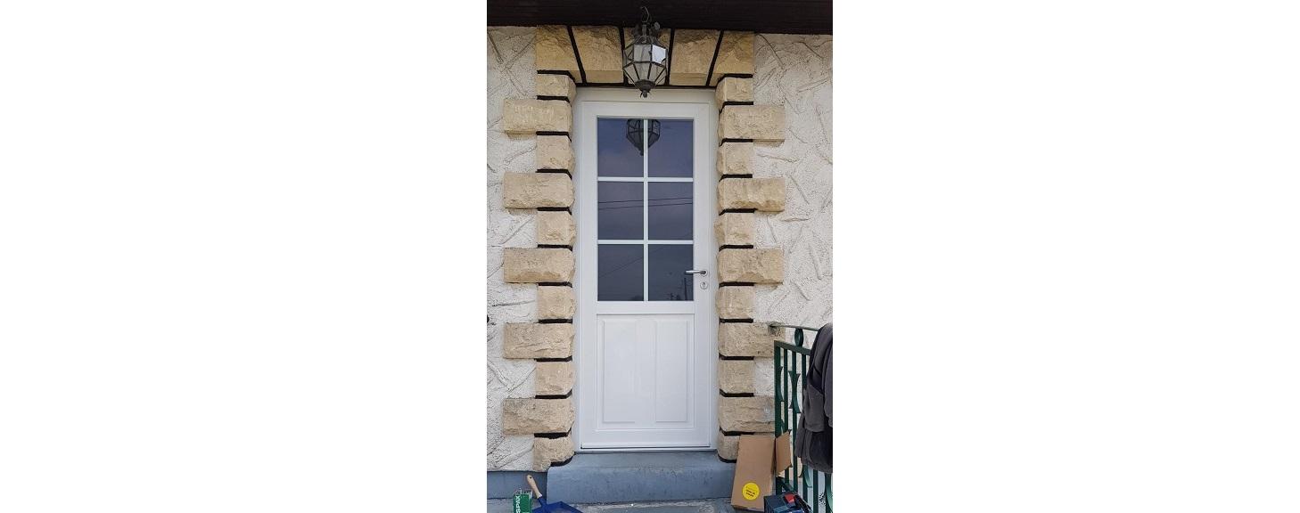 Pose d'une porte en PVC à Etampes