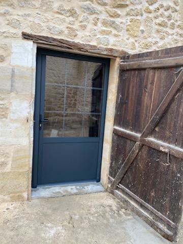 Pose de fenêtres, porte-fenêtres à Eysines (3...