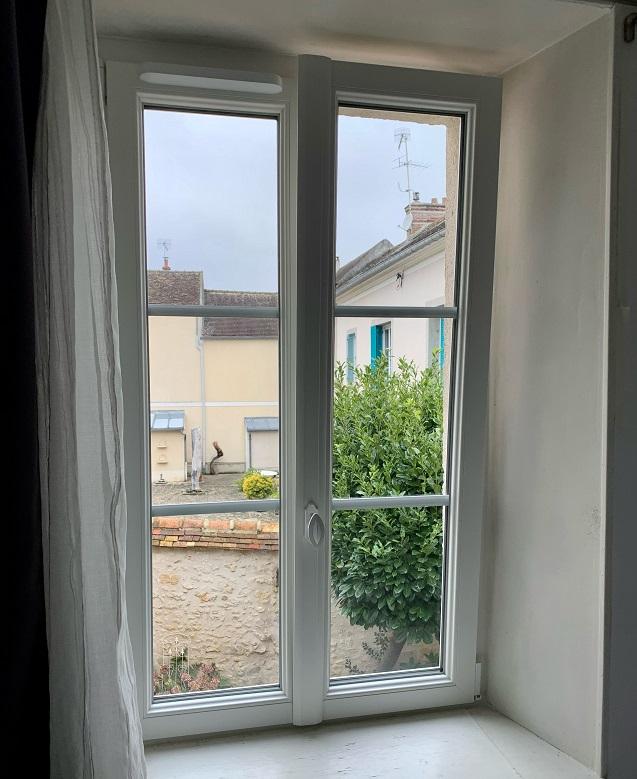 Une nouvelle pose de fenêtre pour Fontaineble...